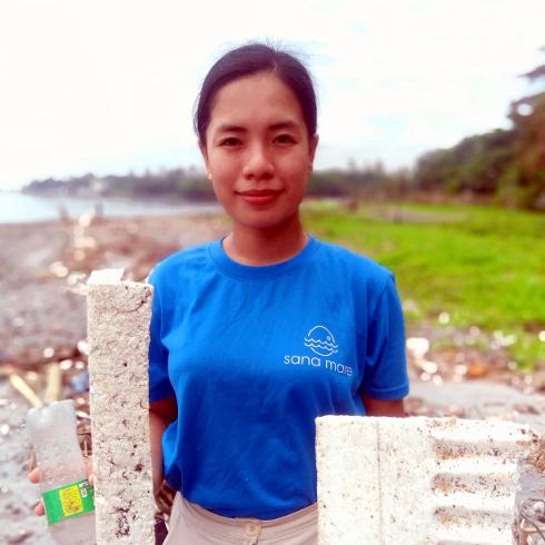 Chrizza Britanico Clean-up coordinator Sana Mare Philippines